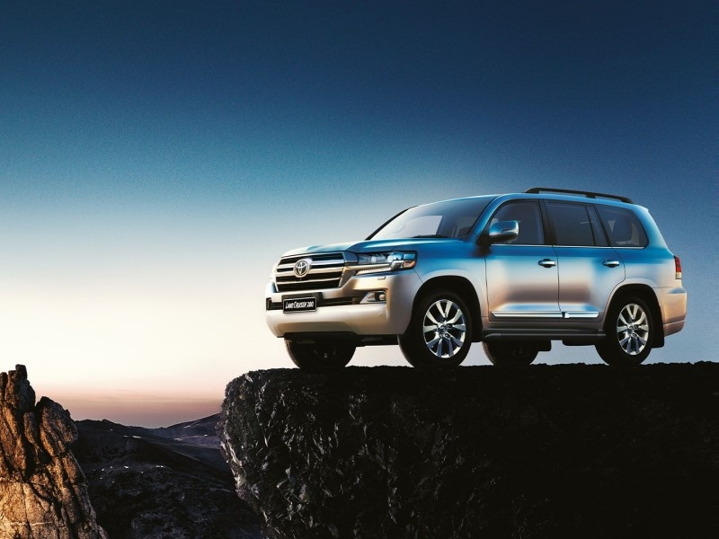 Toyota - Land Cruiser 200
